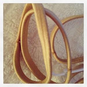 hair-elastics-flat-2